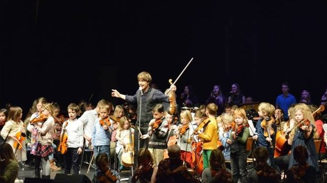 "Rybak and students filled the ""Bryggaren"" in Västervik, Sweden – 11.02.2017"