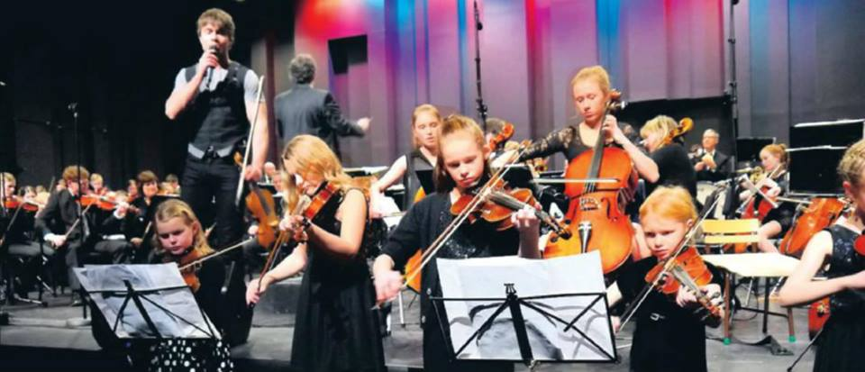 Article and videos from the concert of Alexander Rybak and Sogn and Fjordane Symphony Orchestra (SOFORK). 15.01.14