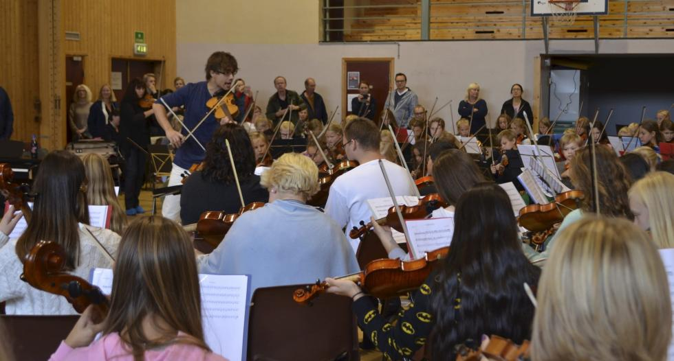 Alexander Rybak – orchestra seminar and concert at Rena, Norway