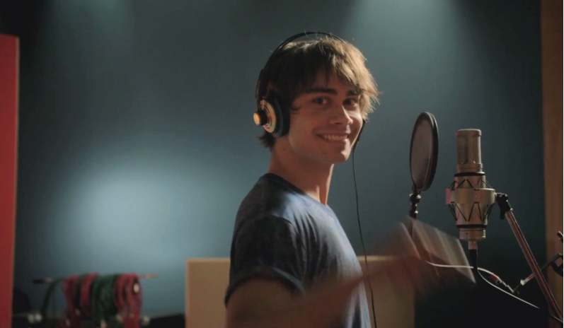 """Alexander  in the official anthem """"Live It"""" for WC for Men's Handball in Qatar 2015"""