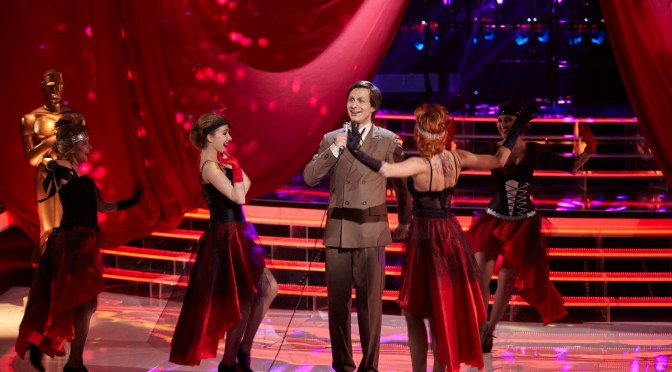 "Alexander Rybak as Eduard Khil – ""One to One"" Show, Episode 3"